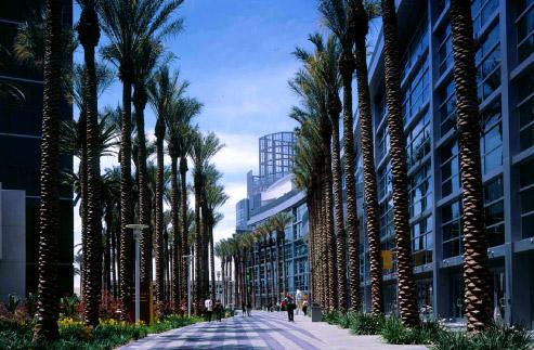 Anaheim Convention Center  Linear Garden Plaza - American Landscape, Inc.